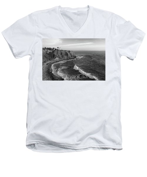 Point Vicente Lighthouse Palos Verdes California - Black And White Men's V-Neck T-Shirt