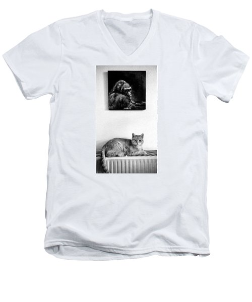 Portraitiere Mich. Jetzt.  #imhotep Men's V-Neck T-Shirt by Mandy Tabatt