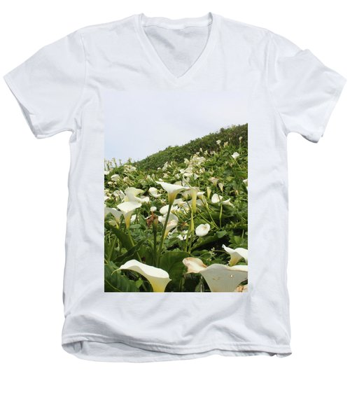 Men's V-Neck T-Shirt featuring the photograph Preaching To The Choir by Marie Neder