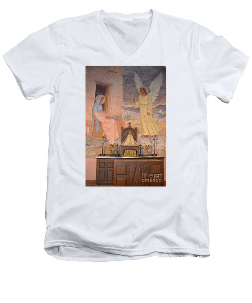 Presidio La Bahia Mission Men's V-Neck T-Shirt