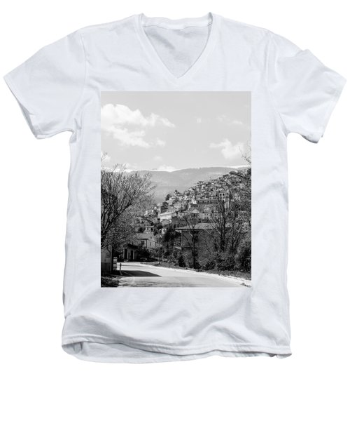 Pretoro - Landscape Men's V-Neck T-Shirt
