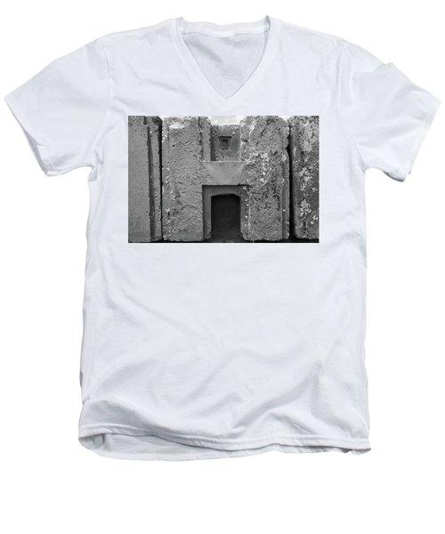 Puma Punku H- Block Men's V-Neck T-Shirt