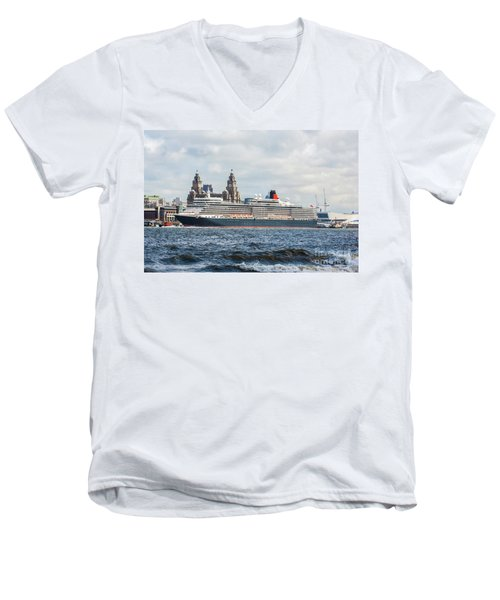 Queen Elizabeth Cruise Ship At Liverpool Men's V-Neck T-Shirt