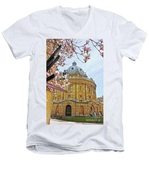 Radcliffe Camera Bodleian Library Oxford  Men's V-Neck T-Shirt