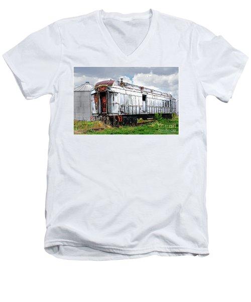 Rail Car Men's V-Neck T-Shirt