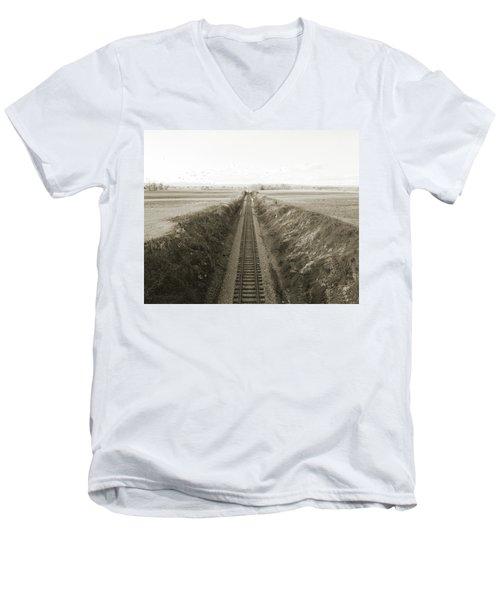 Railroad Cut, West Of Gettysburg Men's V-Neck T-Shirt