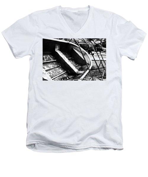 Reckage Men's V-Neck T-Shirt