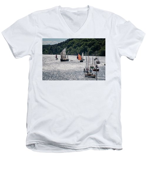 Regatta Time Men's V-Neck T-Shirt
