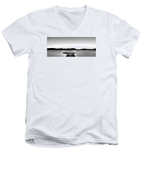 Men's V-Neck T-Shirt featuring the photograph Relax by Hayato Matsumoto
