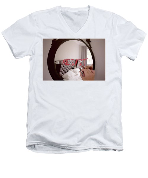 Resistance Lipstick Men's V-Neck T-Shirt