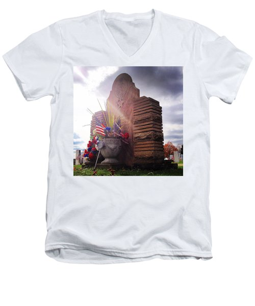 Riverside Cemetery War Memorial Men's V-Neck T-Shirt