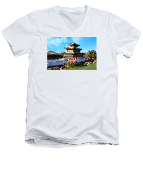 Robert D. Ray Asian Garden Men's V-Neck T-Shirt