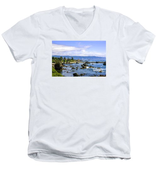 Rocky California Coastline Men's V-Neck T-Shirt