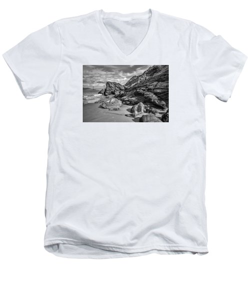 Rocky China Beach San Francisco Men's V-Neck T-Shirt