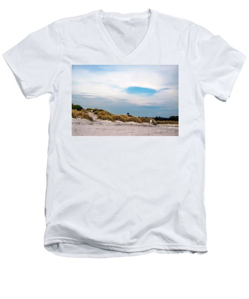 Rosignano Beach Men's V-Neck T-Shirt