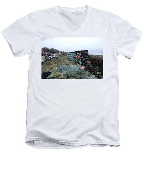 Roundstone 3 Men's V-Neck T-Shirt