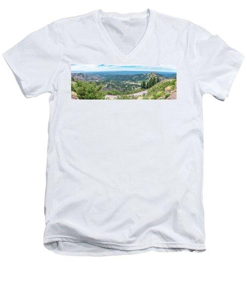Ruidoso, Nm Panoramic Men's V-Neck T-Shirt