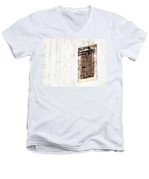 Finestra Rustica Men's V-Neck T-Shirt