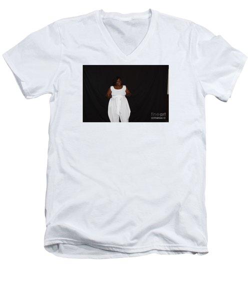 Sanderson - 4568 Men's V-Neck T-Shirt
