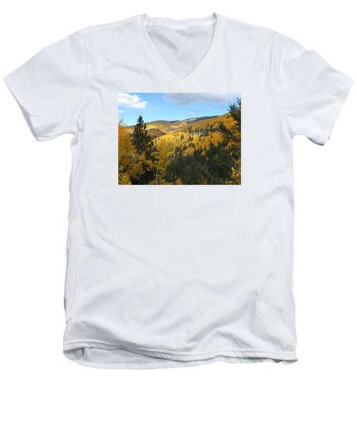 Santa Fe Autumn View Men's V-Neck T-Shirt