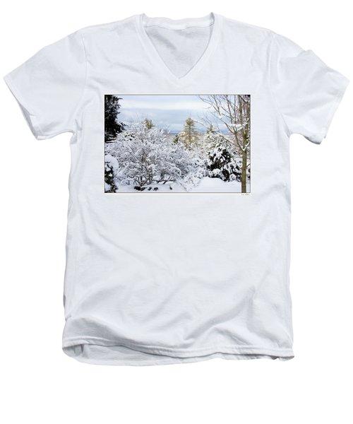 Saratoga Winter Scene Men's V-Neck T-Shirt