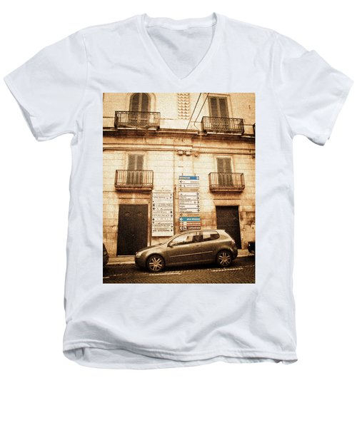 Segnali Stradali Men's V-Neck T-Shirt
