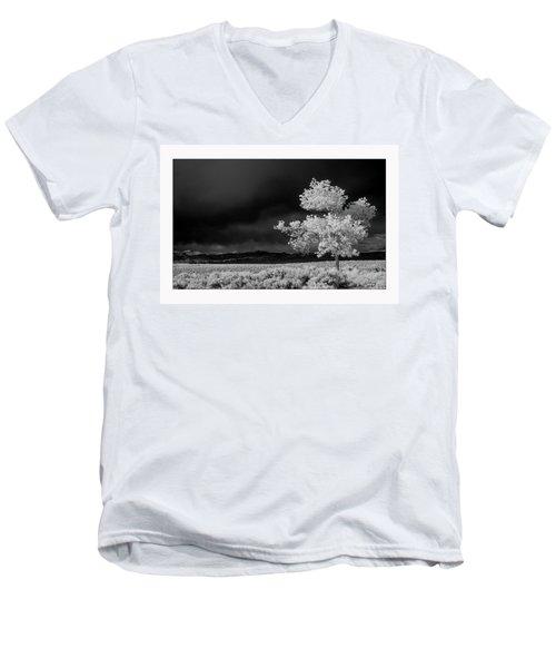 Selective Men's V-Neck T-Shirt