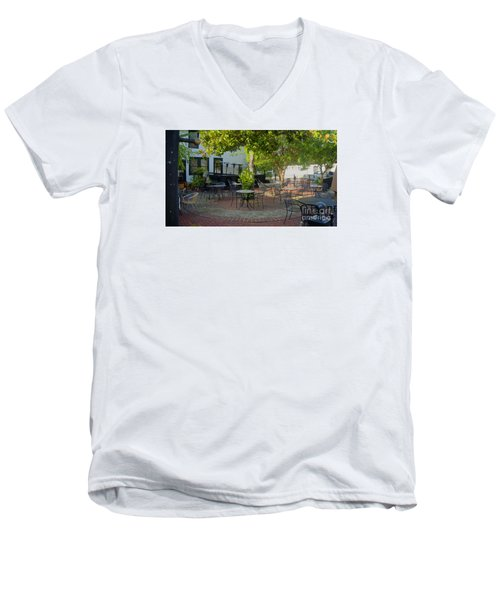 Shady Outdoor Dining Men's V-Neck T-Shirt