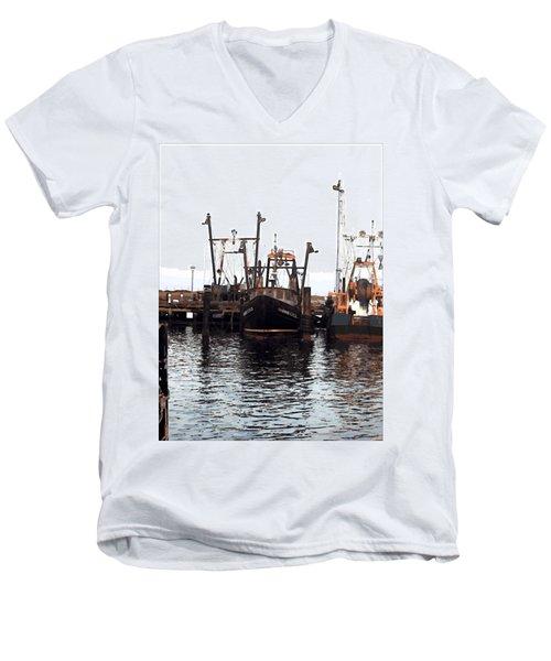 Shinnecock Painting Men's V-Neck T-Shirt