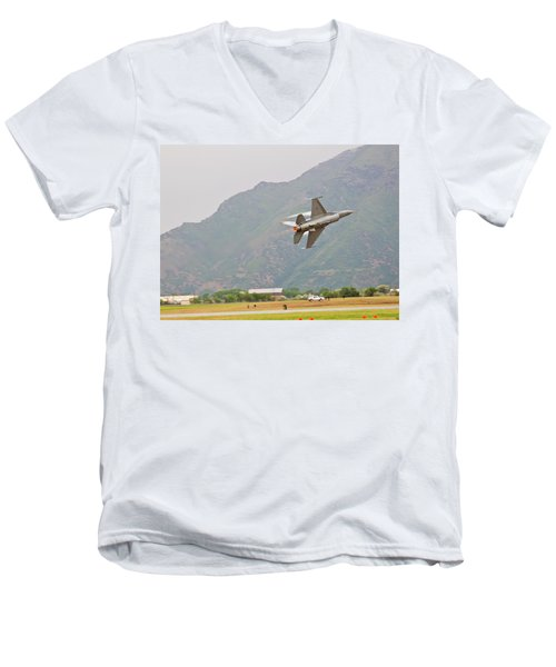 Show Off Men's V-Neck T-Shirt