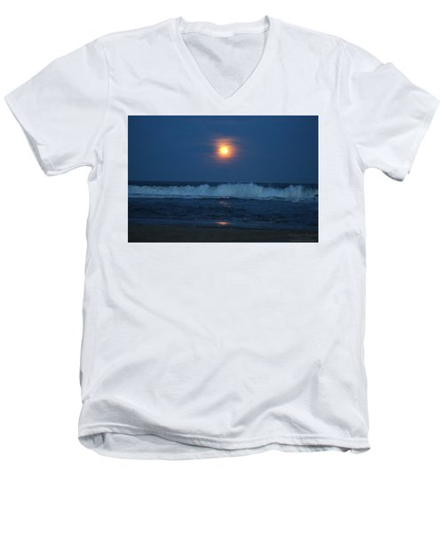 Snow Moon Ocean Waves Men's V-Neck T-Shirt