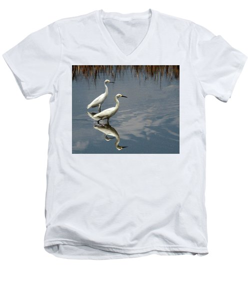 Snowies Men's V-Neck T-Shirt