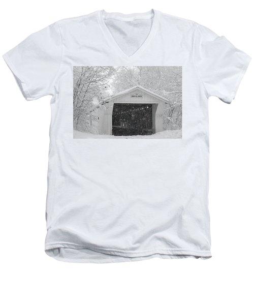 1872 Men's V-Neck T-Shirt