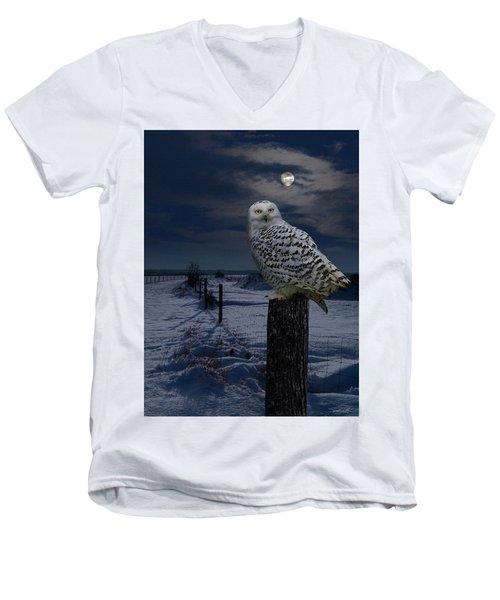 Snowy Owl On A Winter Night Men's V-Neck T-Shirt