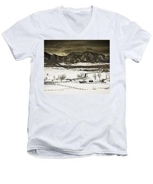 Snowy Sunset Men's V-Neck T-Shirt