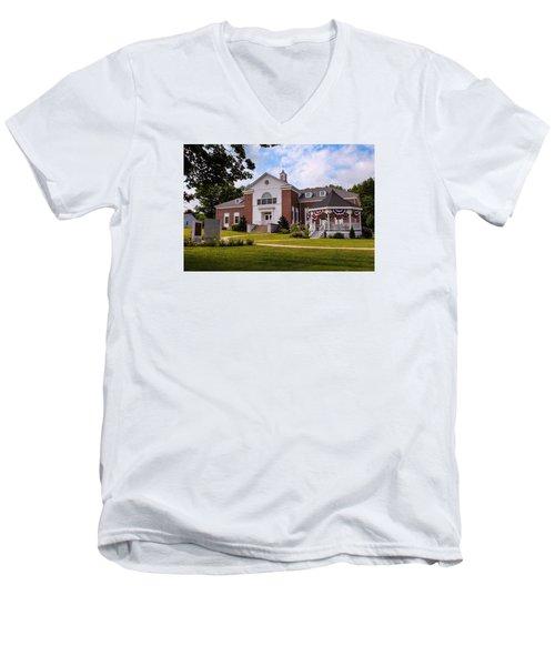 Southampton, Ma Town Hall Men's V-Neck T-Shirt