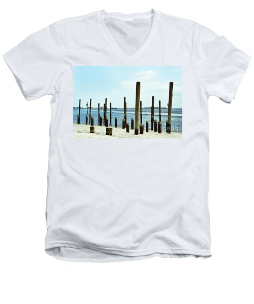 Southport Beach Weathered Wood Men's V-Neck T-Shirt