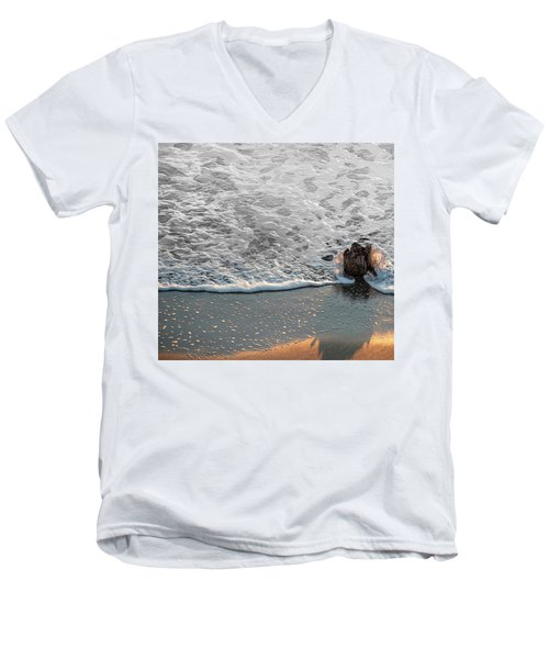 Splash Men's V-Neck T-Shirt by Glenn Gemmell