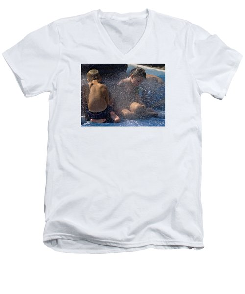 Men's V-Neck T-Shirt featuring the photograph Splish Splash Summer by Laura Ragland