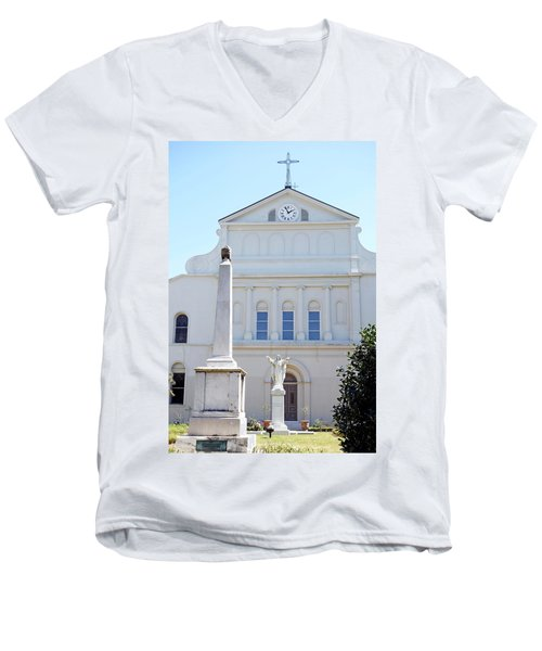 St. Louis Cathedral Back Lawn Men's V-Neck T-Shirt
