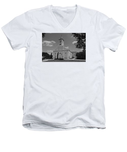 St. Martinville Church Men's V-Neck T-Shirt