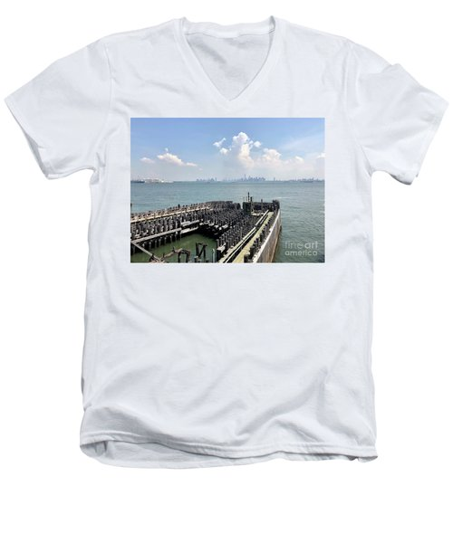 Staten Island  Men's V-Neck T-Shirt