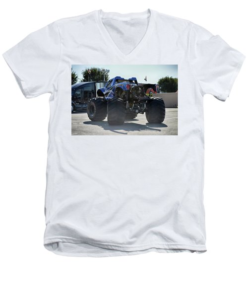Men's V-Neck T-Shirt featuring the photograph Steer Me by Bill Dutting