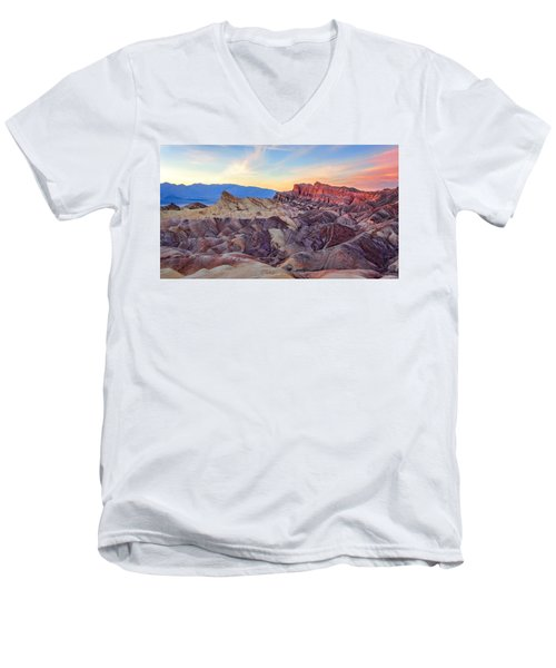 Striated Erosion Men's V-Neck T-Shirt