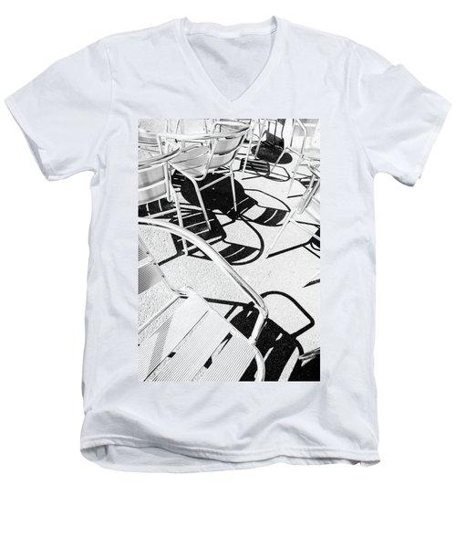 Summer Chair Pattern Men's V-Neck T-Shirt