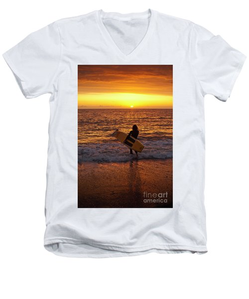 Sunset Surfer On Aberystwyth Beach Wales Uk Men's V-Neck T-Shirt
