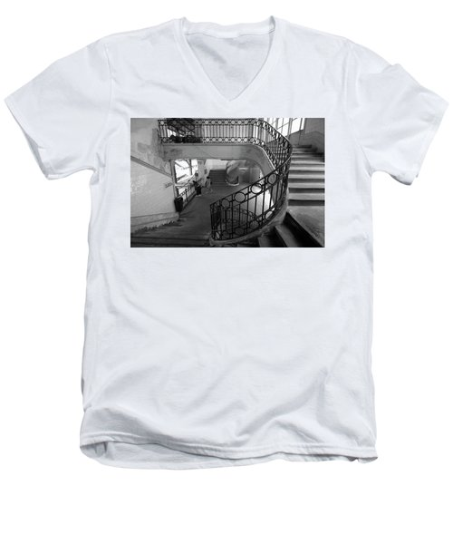 Taking A Photo Inside A Photo Men's V-Neck T-Shirt