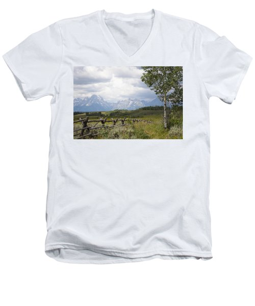 Teton Ranch Men's V-Neck T-Shirt