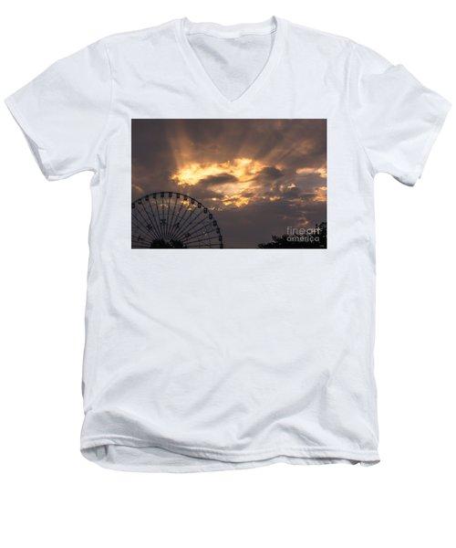 Texas Star Ferris Wheel And Sun Rays Men's V-Neck T-Shirt