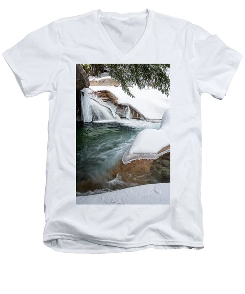 The Basin Side View Nh Men's V-Neck T-Shirt